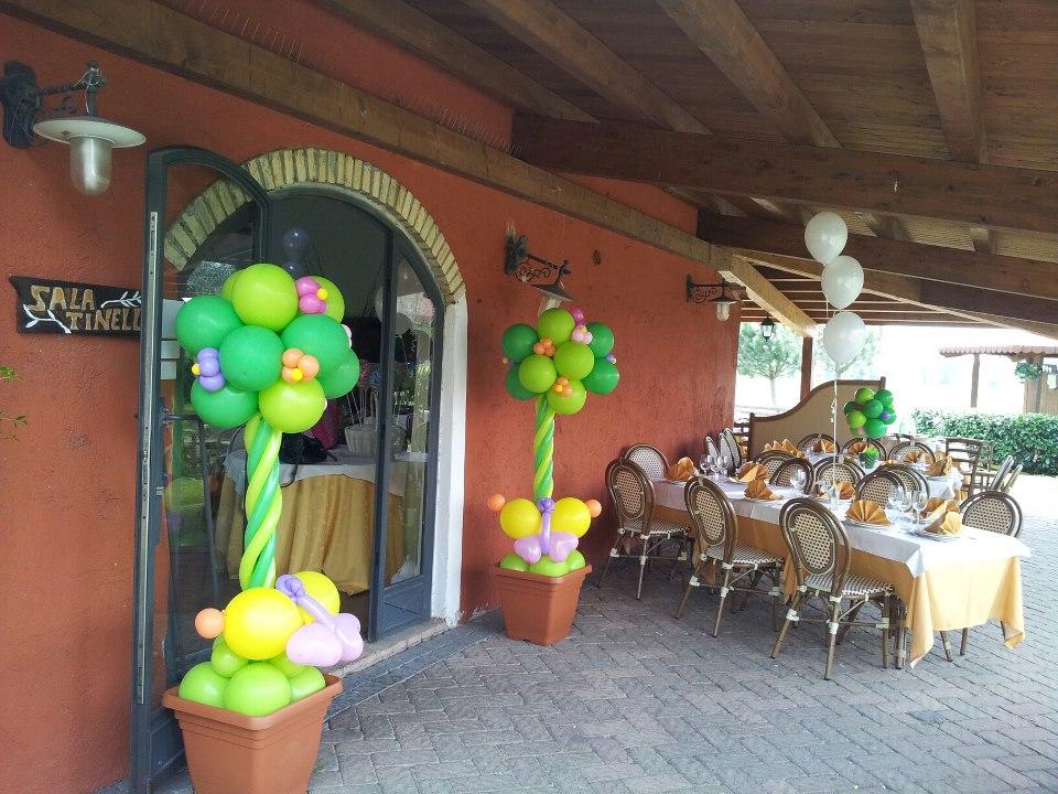 decorazione sala con palloncini