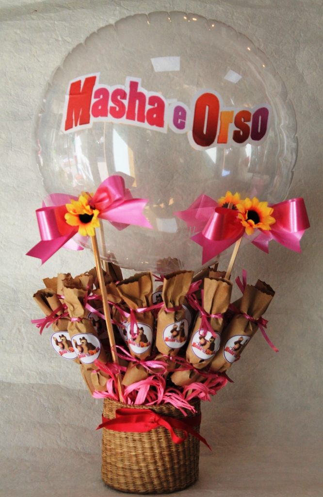 masha pallone con caramelle gommose